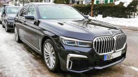 BMW 7-Series 2020 có giá khởi điểm từ 87.445 USD