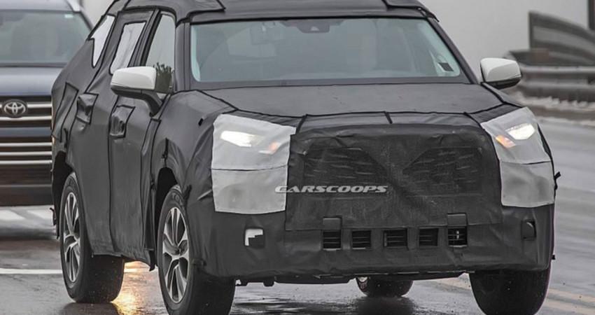 Toyota Highlander 2020 bỏ bớt lớp ngụy trang nặng nề, chạy thử cùng Mazda CX-9