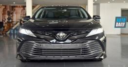 Video: Xem nhanh Toyota Camry 2019 nhập Mỹ về Việt Nam, giá gần bằng Mercedes E300 AMG