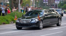 Mercedes-Benz S 600 Pullman Guard hộ tống Kim Jong Un về Hà Nội