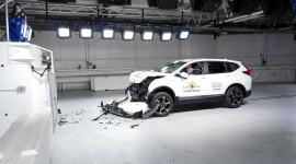 """Honda CR-V có độ an toàn ngang """"vua địa hình"""" Mercedes-Benz G-Class"""