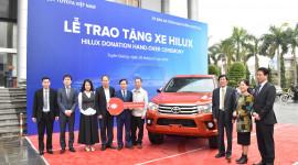 Quỹ Toyota Việt Nam trao tặng bán tải Hilux cho tỉnh Tuyên Quang