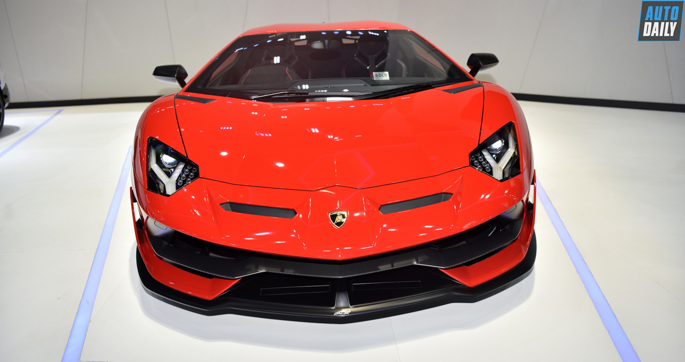Diện kiến Lamborghini Aventador SVJ vừa ra mắt tại Thái Lan