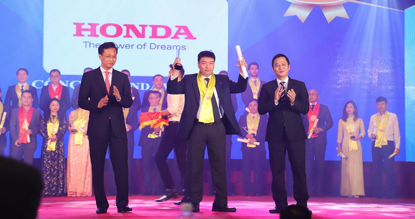 Honda Việt Nam lần thứ 14 nhận giải thưởng Rồng Vàng