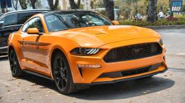 Ford Mustang 2018 màu cam độc đáo về Việt Nam, giá hơn 2,7 tỷ