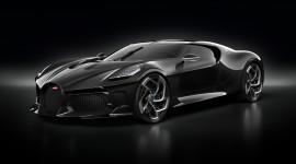 Cristiano Ronaldo chi 19 triệu USD tậu siêu xe Bugatti La Voiture Noire?