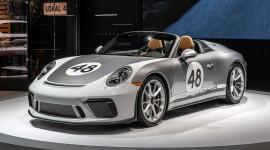 Porsche 911 Speedster chốt giá cao ngất ngưởng 274.500 USD