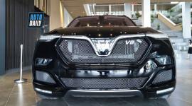 """Cận cảnh """"hàng khủng"""" VinFast Lux V8 tại Việt Nam"""