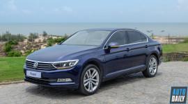 Volkswagen Passat BlueMotion High giá 1,48 tỷ, cạnh tranh Camry