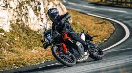 Mô tô địa hình KTM 790 Adventure 2019 có giá hơn 18.800 USD tại ĐNÁ