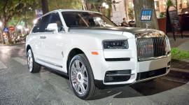 Chùm Ảnh: Ngỡ ngàng trước vẻ đẹp của Rolls-Royce Cullinan đầu tiên Việt Nam