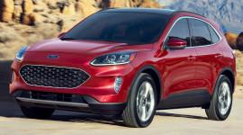 Ford Escape 2020 tăng giá nhẹ, vẫn rẻ hơn Toyota RAV4