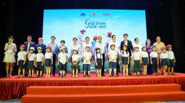 Honda Việt Nam trao tặng gần 2 triệu mũ bảo hiểm cho học sinh lớp 1 toàn quốc