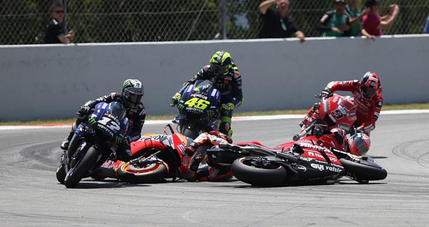 MotoGP chặng 7: Marc Marquez chiến thắng trong ngày các đối thủ sớm ngã ngựa