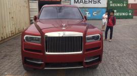 SUV siêu sang Rolls-Royce Cullinan màu đỏ đầu tiên về Việt Nam