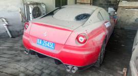 """Siêu xe Ferrari 599 GTB giá """"bèo"""" chỉ 250 USD tại Trung Quốc"""