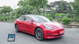 """Ảnh Tesla Model 3 màu """"độc"""" đầu tiên tại Việt Nam"""