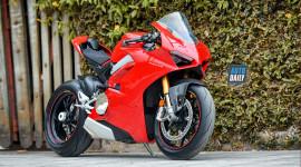 Siêu phẩm Ducati V4S 'siêu lướt' bán lại giá 900 triệu