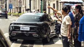 """Mẫu xe điện Porsche Taycan dự kiến bán chạy hơn cả """"huyền thoại"""" 911"""