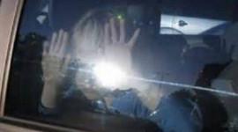 Sử dụng còi xe để kêu cứu trong trường hợp bị bỏ quên trên ô tô