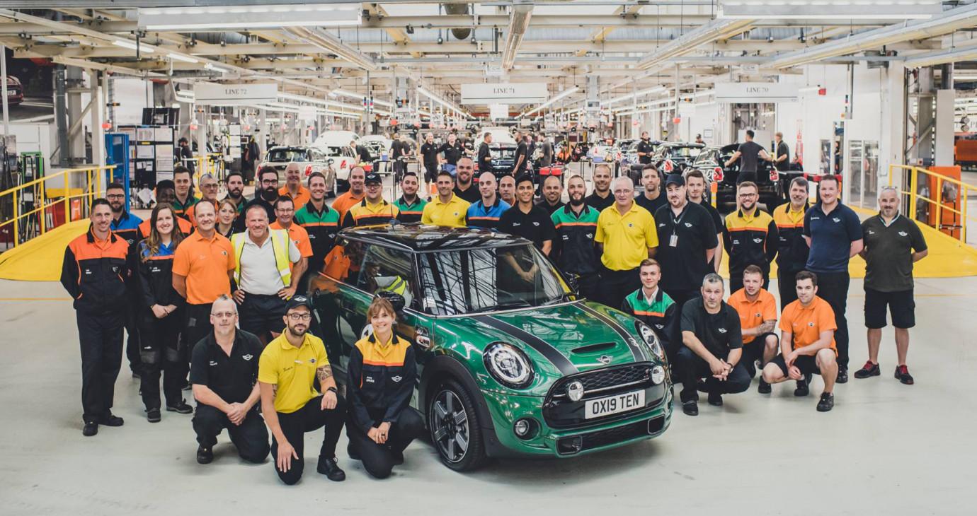 MINI xuất xưởng chiếc xe thứ 10 triệu kỷ niệm 60 năm thành lập
