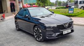 Diện kiến Vinfast Lux A2.0 giá từ 990 triệu trên phố Hà Nội