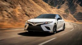 Toyota Camry TRD 2020 chốt giá từ 31.995 USD