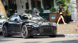 """Aston Martin Rapide S: """"Nữ Hoàng Anh Quốc"""" trên phố Việt"""