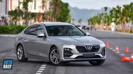 VinFast chưa thay đổi giá bán xe Lux và Fadil