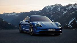 Porsche Taycan 2020 bản full option có giá 241.500 USD