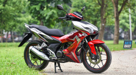 Xe máy Honda vẫn đắt khách trong tháng cô hồn