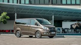 Ford Tourneo 2019 ra mắt tại Việt Nam, chốt giá từ 999 triệu đồng