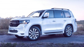 Khám phá Toyota Land Cruiser 200 độ nội thất đẳng cấp