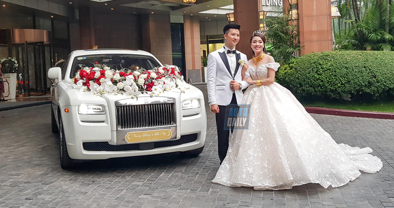 Rolls-Royce Ghost làm xe hoa trong đám cưới giảng viên 'hot girl'
