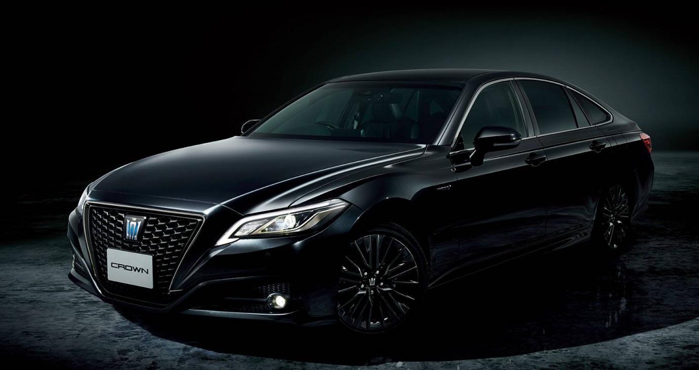 Toyota Crown phiên bản Sport Style ra mắt, giá từ 47.475 USD