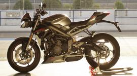 """""""Soi"""" Triumph Street Triple 765RS 2020 có giá hơn 16.400 USD tại ĐNÁ"""