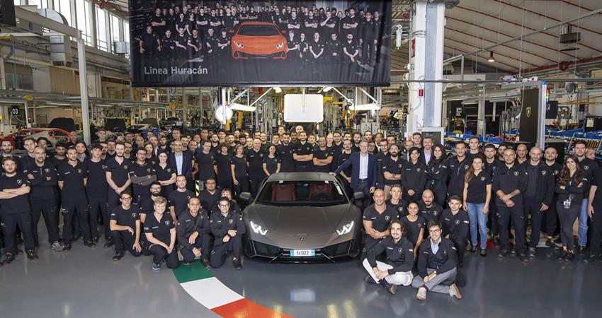 Lamborghini Huracan chỉ mất 5 năm để có doanh số bằng 10 năm của Gallardo