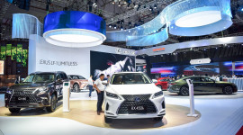 Ngắm xe Lexus vạn người mê tại Triển lãm Ô tô Việt Nam 2019