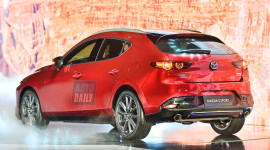 Đánh giá Mazda3 2020 giá 939 triệu: Ngang Mazda6, gần chạm Camry 2.0
