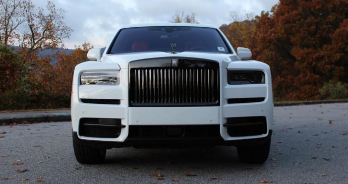 Chiêm ngưỡng Rolls-Royce Cullinan Black Badge với ngoại thất màu trắng cực độc