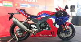 """""""Siêu mô tô"""" Honda CBR1000RR-R SP 2020 có giá từ 48.700 USD tại ĐNÁ"""