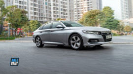 Honda Accord 2020 giá 1,3 tỷ: 1.5 Turbo chạy ngon, đỡ ồn, có lật đổ được Camry?