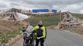 Cụ ông người Việt lái mô tô phân khối lớn qua 30 quốc gia
