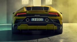 Lamborghini Huracan EVO 2020 bản cầu sau giá từ 208.571 USD