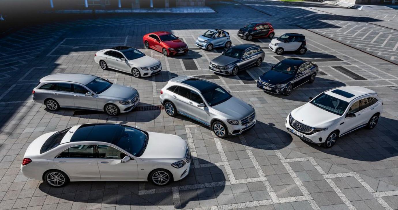 """Mercedes-Benz là """"ông vua doanh số"""" xe sang toàn cầu 2019, bỏ xa BMW và Audi"""