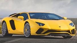 Vì sao Lamborghini Aventador S hấp dẫn?