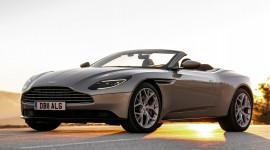 Những sự thật thú vị về siêu xe mui trần cực đẹp Aston Martin DB11 Volante