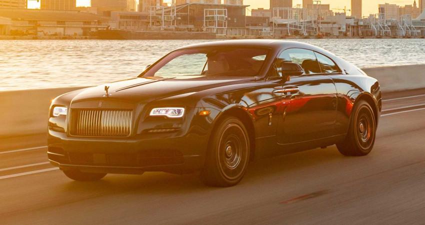 Khám phá Miami cùng siêu phẩm Rolls-Royce Wraith Black Badge