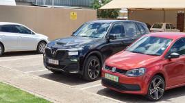 VinFast Lux SA xuất hiện trên đường phố Nam Phi, lưới tản nhiệt bản V8