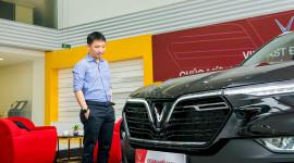 """Vì sao """"ông trùm"""" Rolls-Royce Việt Nam mua xe VinFast?"""
